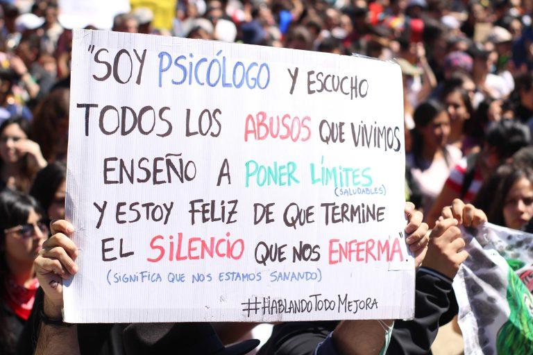 Según la ONG Mente Sana, en Chile más de un millón de chilenos sufre de ansiedad y cerca de 850 mil padecen depresión.